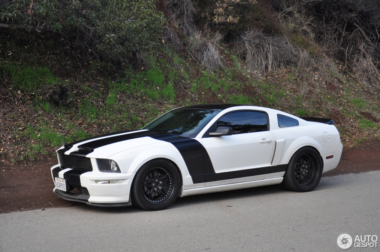 ford mustang gt california special 3 january 2013 autogespot. Black Bedroom Furniture Sets. Home Design Ideas