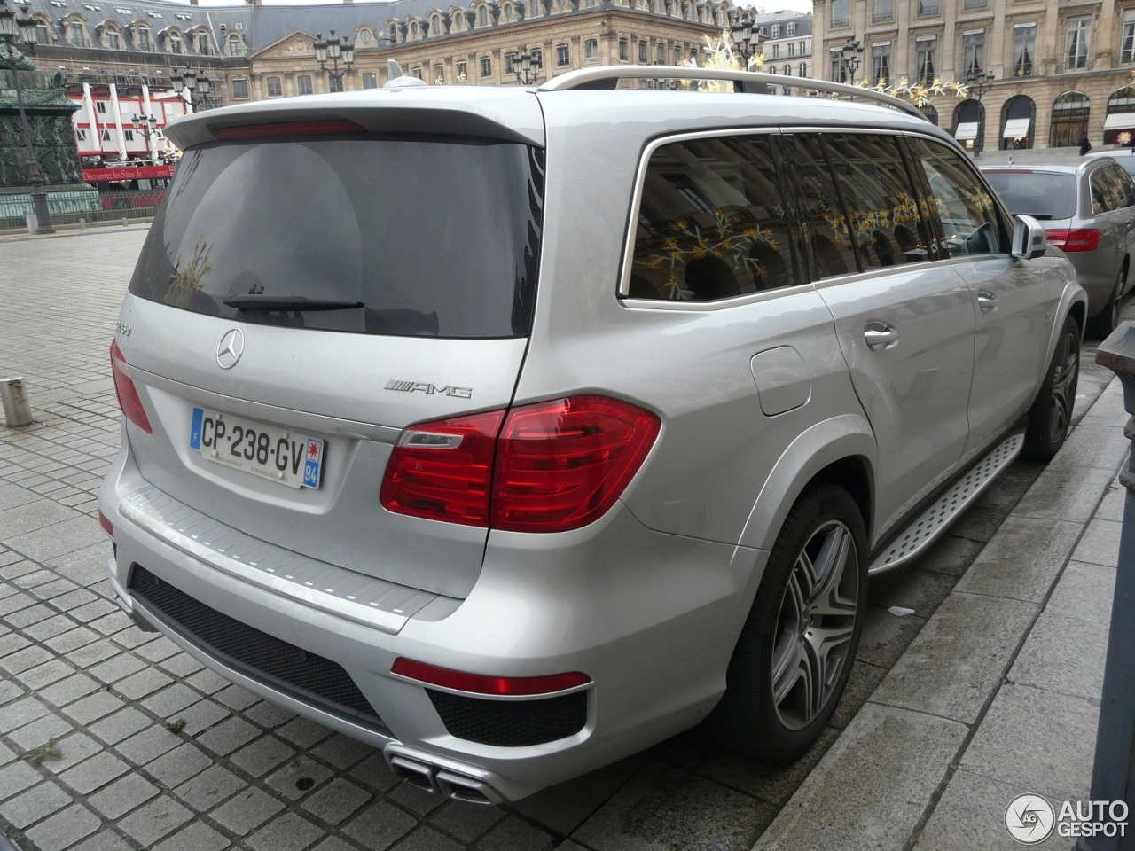 Mercedes benz gl 63 amg x166 4 january 2013 autogespot for Mercedes benz gl amg for sale
