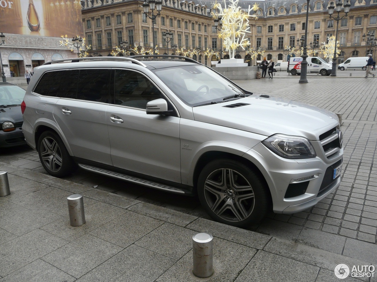 mercedes benz gl 63 amg x166 4 janvier 2013 autogespot. Black Bedroom Furniture Sets. Home Design Ideas