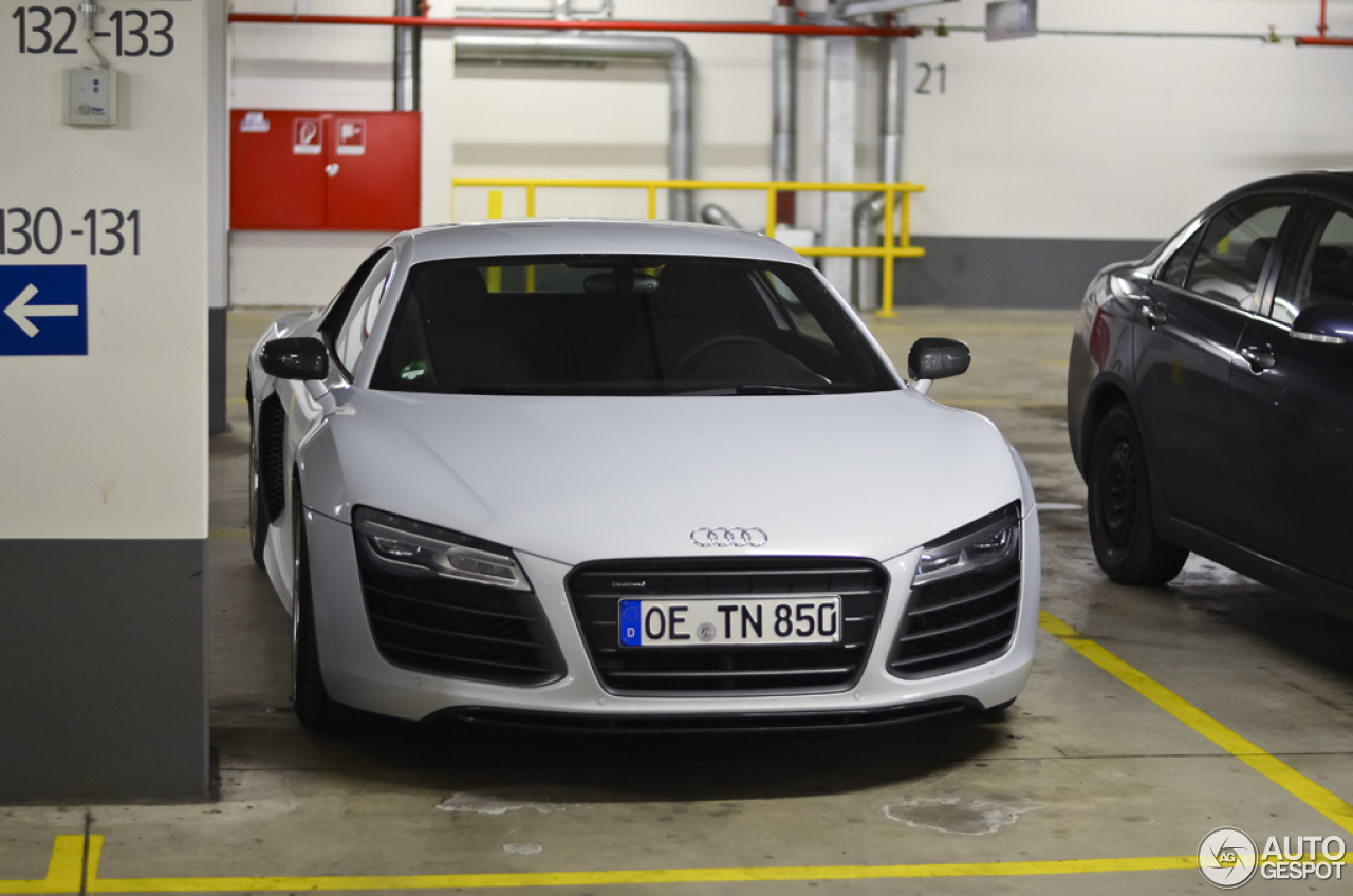 audi r8 v10 2013 21 januar 2013 autogespot. Black Bedroom Furniture Sets. Home Design Ideas