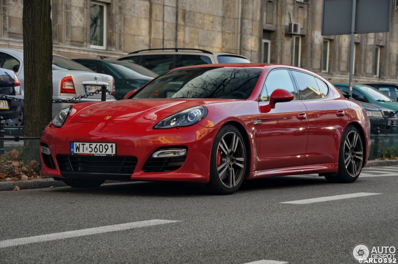 porsche panamera gts 7 fevereiro 2013 autogespot. Black Bedroom Furniture Sets. Home Design Ideas