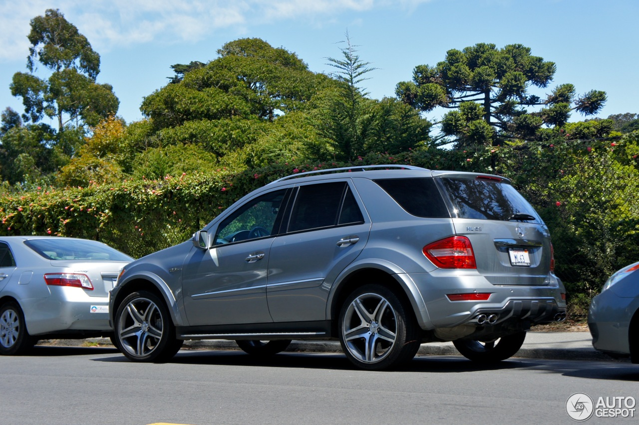 mercedes benz ml 63 amg w164 2009 9 february 2013. Black Bedroom Furniture Sets. Home Design Ideas