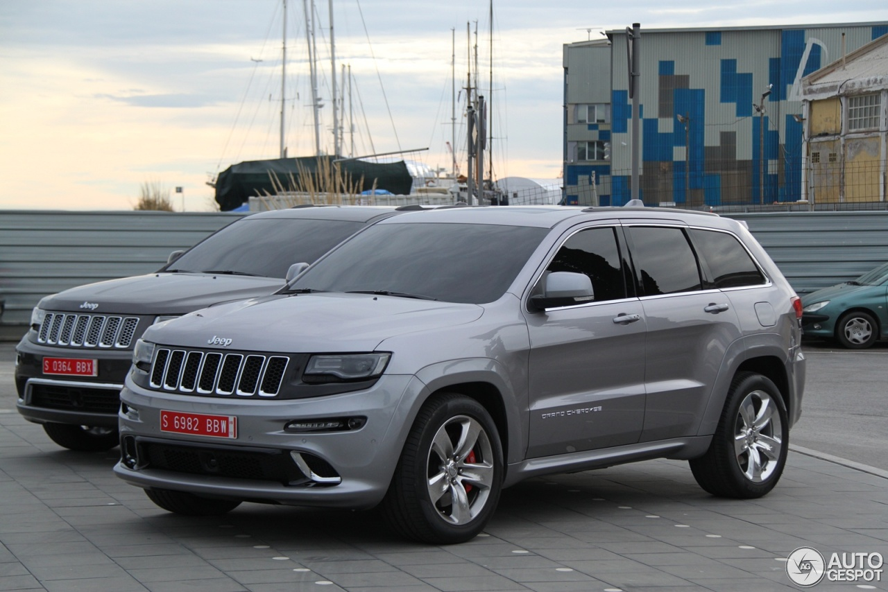 jeep grand cherokee srt 8 2013 10 fvrier 2013 autogespot. Black Bedroom Furniture Sets. Home Design Ideas