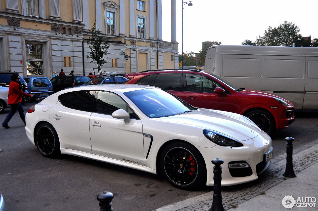 porsche panamera gts 24 fvrier 2013 autogespot. Black Bedroom Furniture Sets. Home Design Ideas