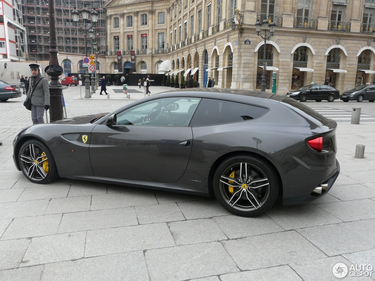 ferrari ff 2 mars 2013 autogespot. Black Bedroom Furniture Sets. Home Design Ideas