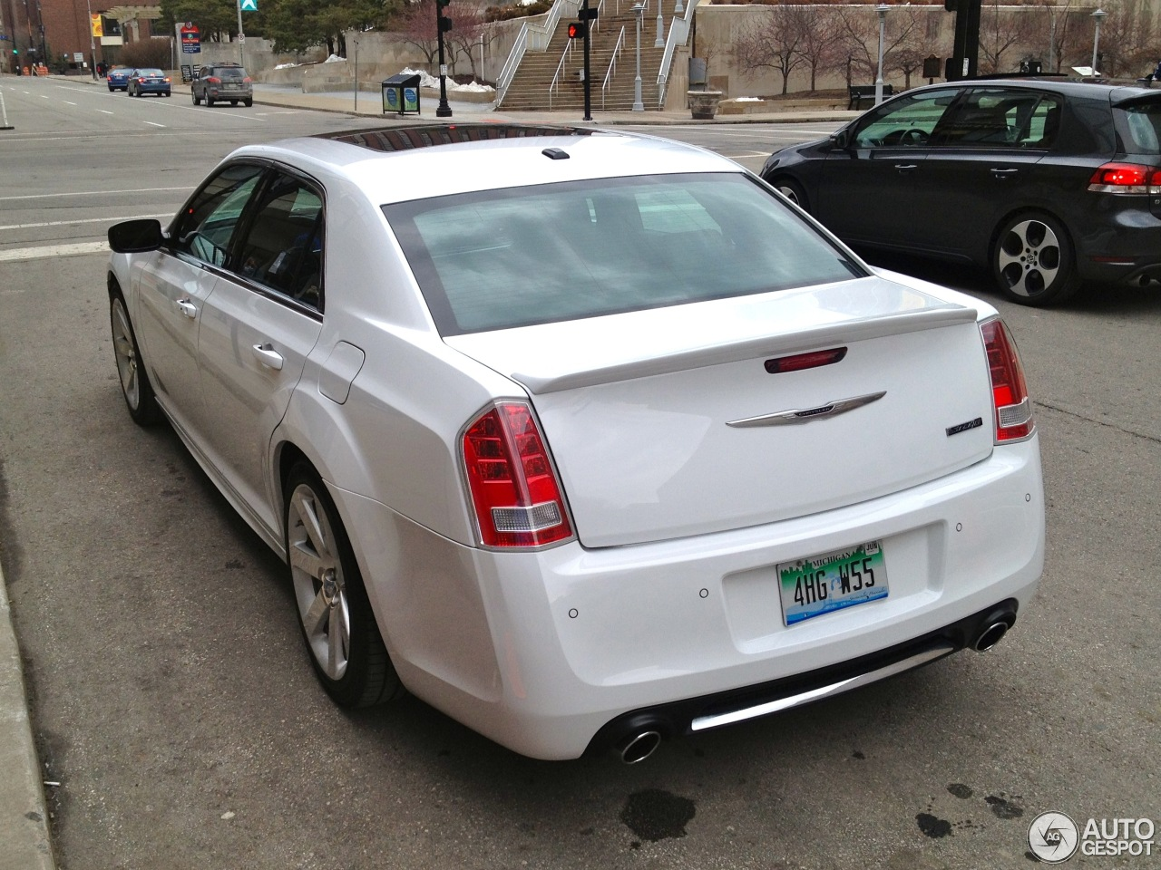 chrysler 300c srt8 2013 9 march 2013 autogespot. Black Bedroom Furniture Sets. Home Design Ideas