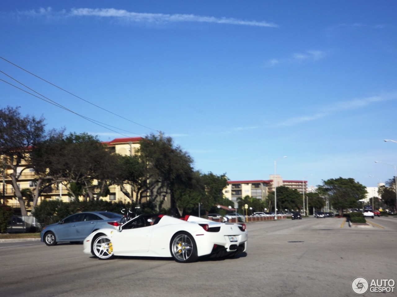 1 i ferrari 458 spider 1 - Ferrari 458 Blue And White