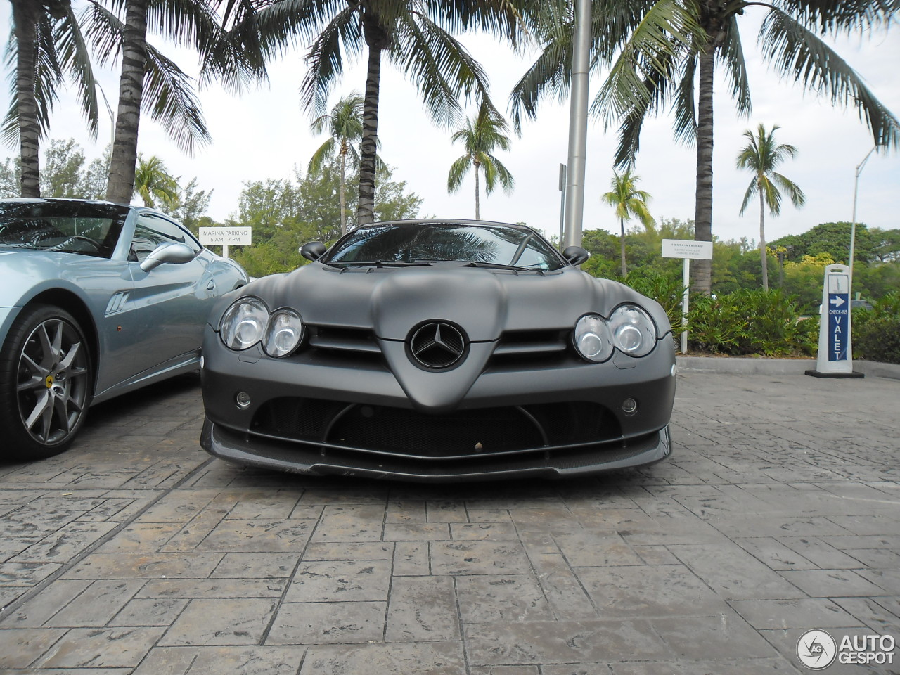 Mercedes benz slr mclaren roadster 722 s 24 march 2013 for Mercedes benz slr price