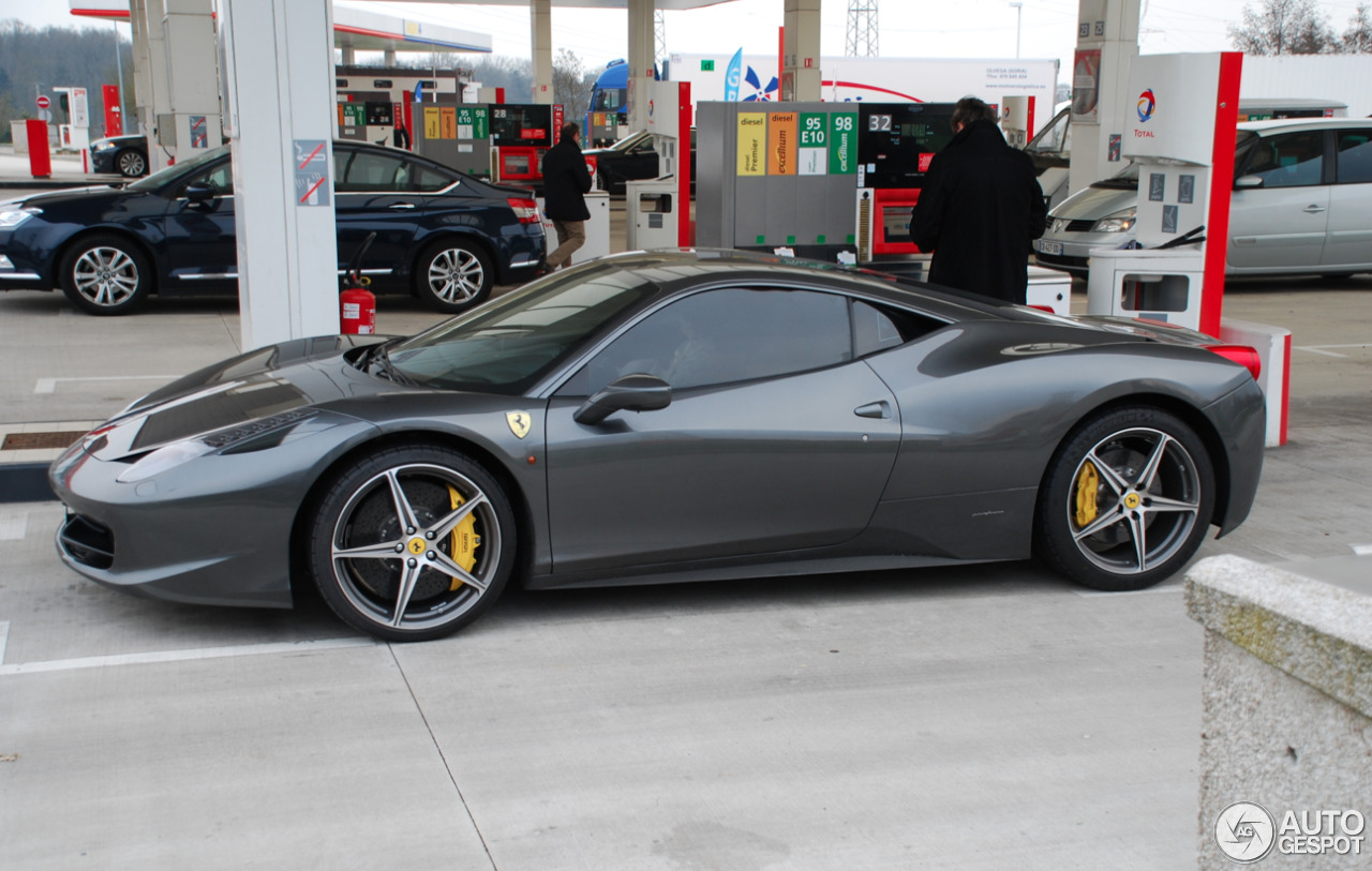 ferrari 458 italia 31 mars 2013 autogespot. Black Bedroom Furniture Sets. Home Design Ideas