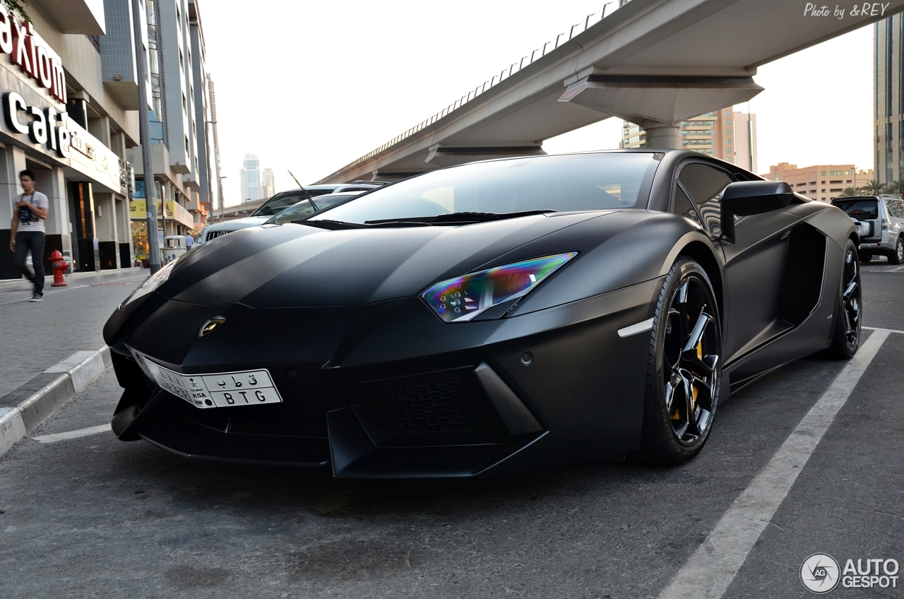 lamborghini aventador lp700 4 1 2013 autogespot. Black Bedroom Furniture Sets. Home Design Ideas