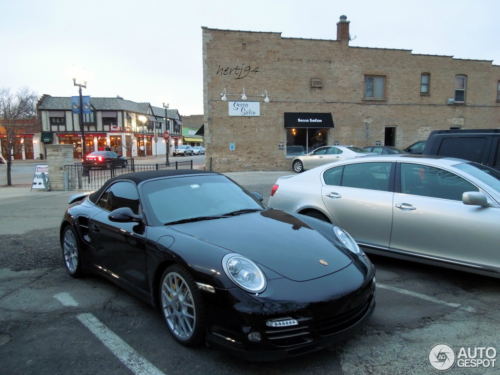 porsche 997 turbo s cabriolet 8 april 2013 autogespot. Black Bedroom Furniture Sets. Home Design Ideas