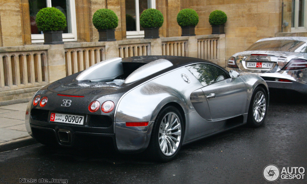 bugatti veyron 16 4 10 april 2013 autogespot. Black Bedroom Furniture Sets. Home Design Ideas