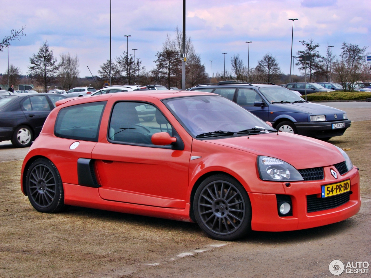 renault clio v6 phase ii 18 april 2013 autogespot. Black Bedroom Furniture Sets. Home Design Ideas