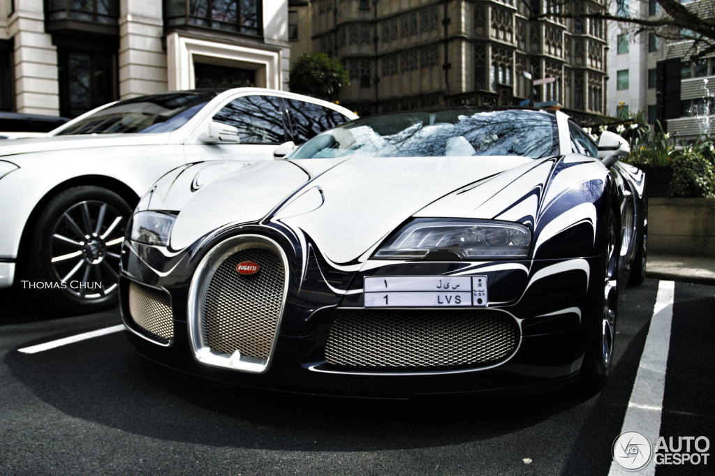 bugatti veyron 16 4 grand sport l 39 or blanc 22 april 2013 autogespot. Black Bedroom Furniture Sets. Home Design Ideas
