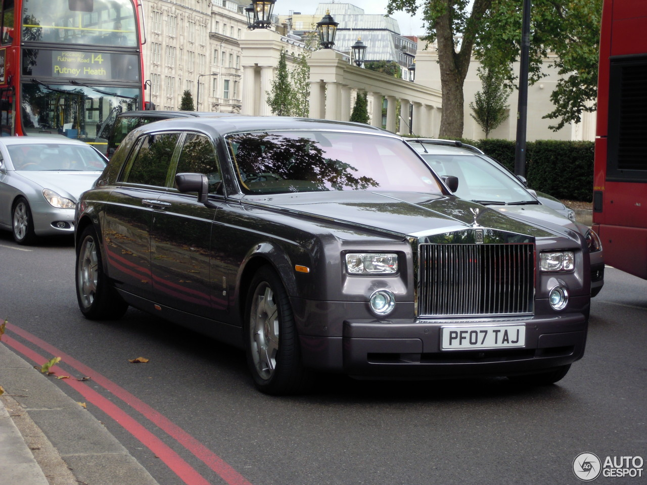 rolls royce phantom ewb 23 april 2013 autogespot. Black Bedroom Furniture Sets. Home Design Ideas