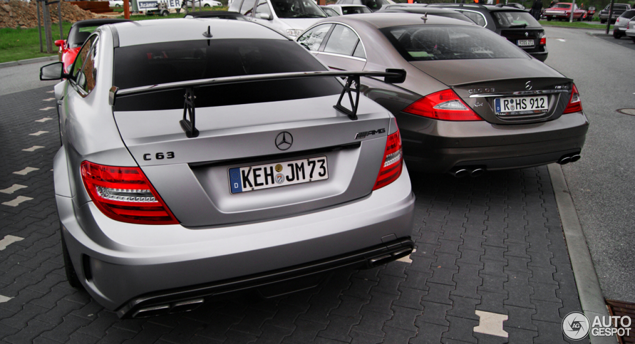 mercedes benz c 63 amg coup black series 4 may 2013 autogespot. Black Bedroom Furniture Sets. Home Design Ideas