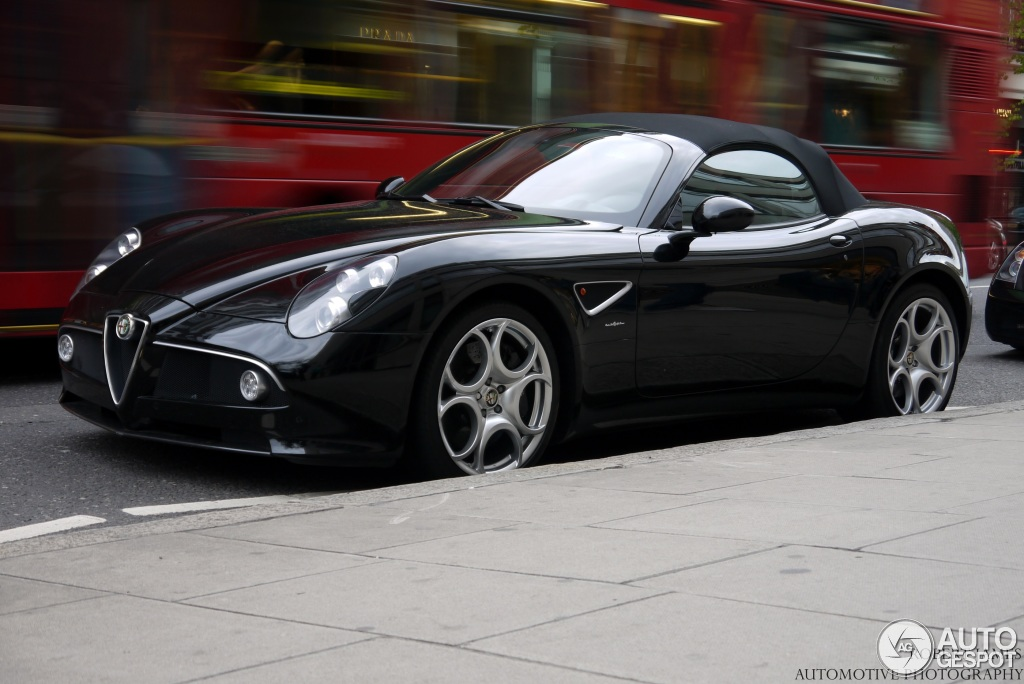 1000 images about alfa romeo 8c competizione spyder on. Black Bedroom Furniture Sets. Home Design Ideas