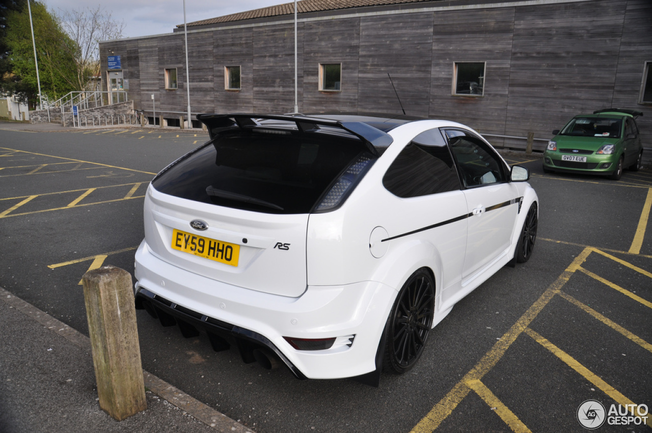 ford focus rs 2009 7 may 2013 autogespot. Black Bedroom Furniture Sets. Home Design Ideas