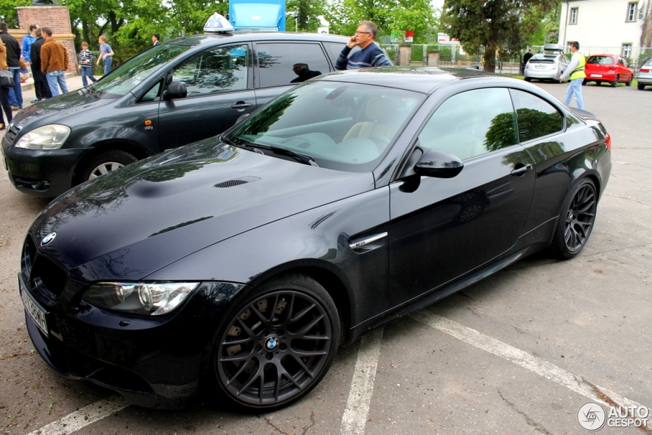 bmw m3 e92 coup 11 may 2013 autogespot. Black Bedroom Furniture Sets. Home Design Ideas