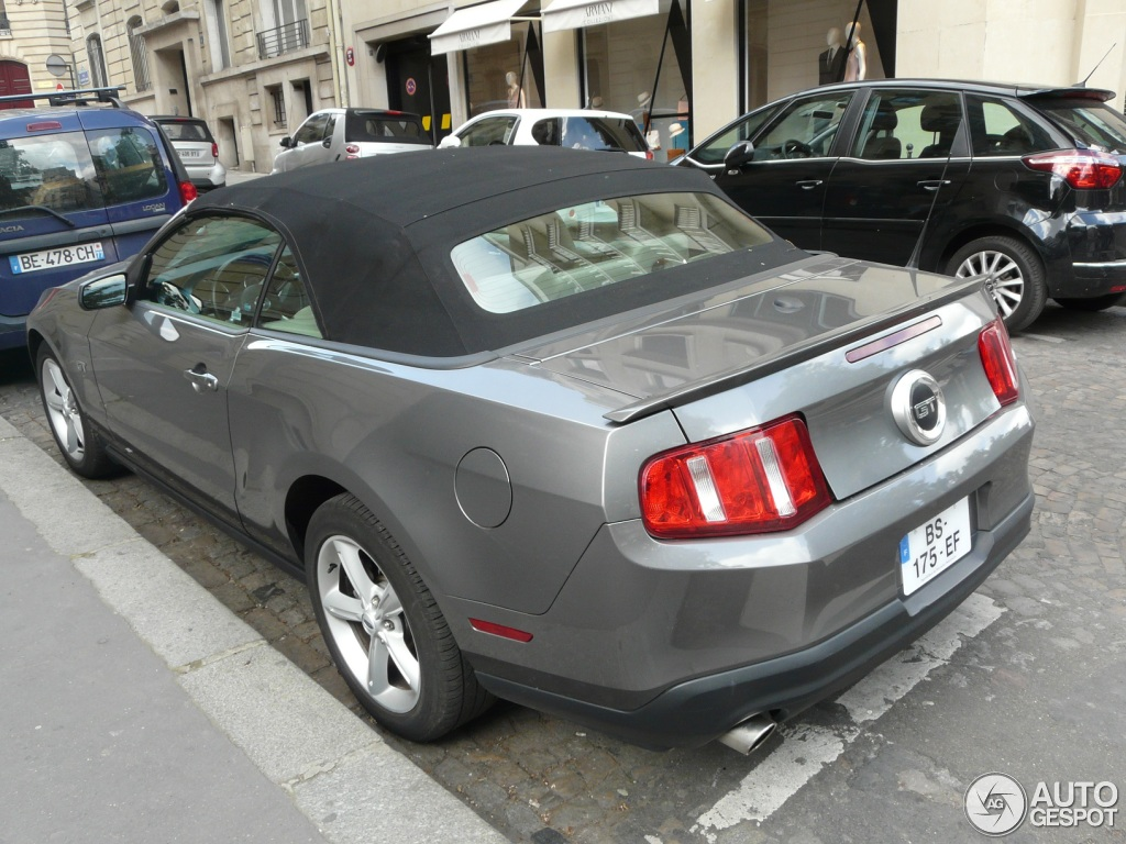 ford mustang gt convertible 2010 12 mei 2013 autogespot. Black Bedroom Furniture Sets. Home Design Ideas