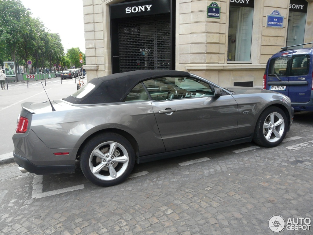 ford mustang gt convertible 2010 12 mai 2013 autogespot. Black Bedroom Furniture Sets. Home Design Ideas