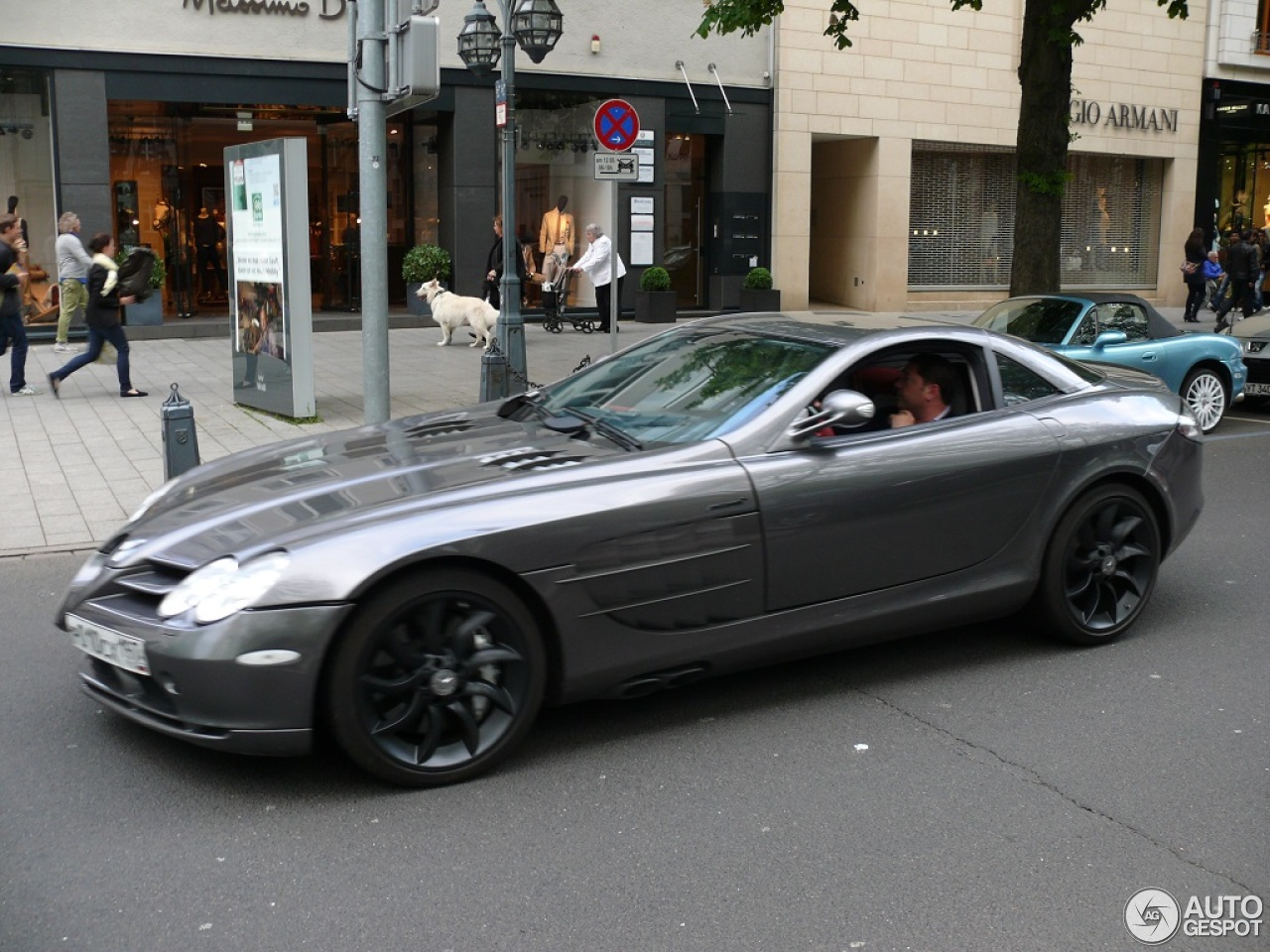 Mercedes benz slr mclaren 12 may 2013 autogespot for Mercedes benz slr mclaren price