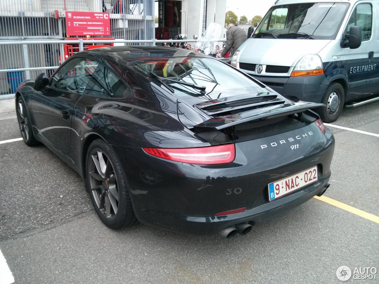 photo of Nacer Chadli Porsche 911 Carrera - car