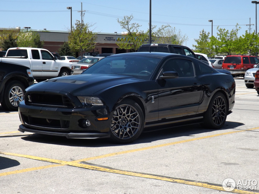 ford mustang shelby gt500 2013 17 mai 2013 autogespot. Black Bedroom Furniture Sets. Home Design Ideas