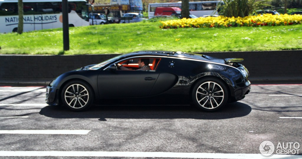 bugatti veyron 16 4 super sport sang noir 23 may 2013 autogespot. Black Bedroom Furniture Sets. Home Design Ideas
