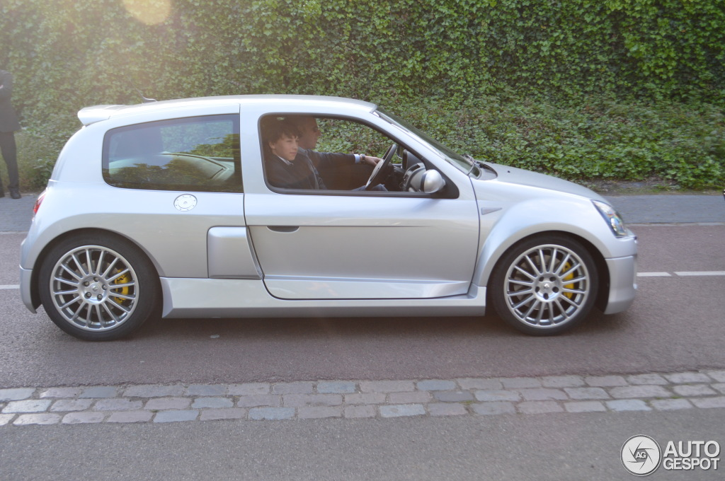 Renault Clio V6 Phase Ii 31 May 2013 Autogespot
