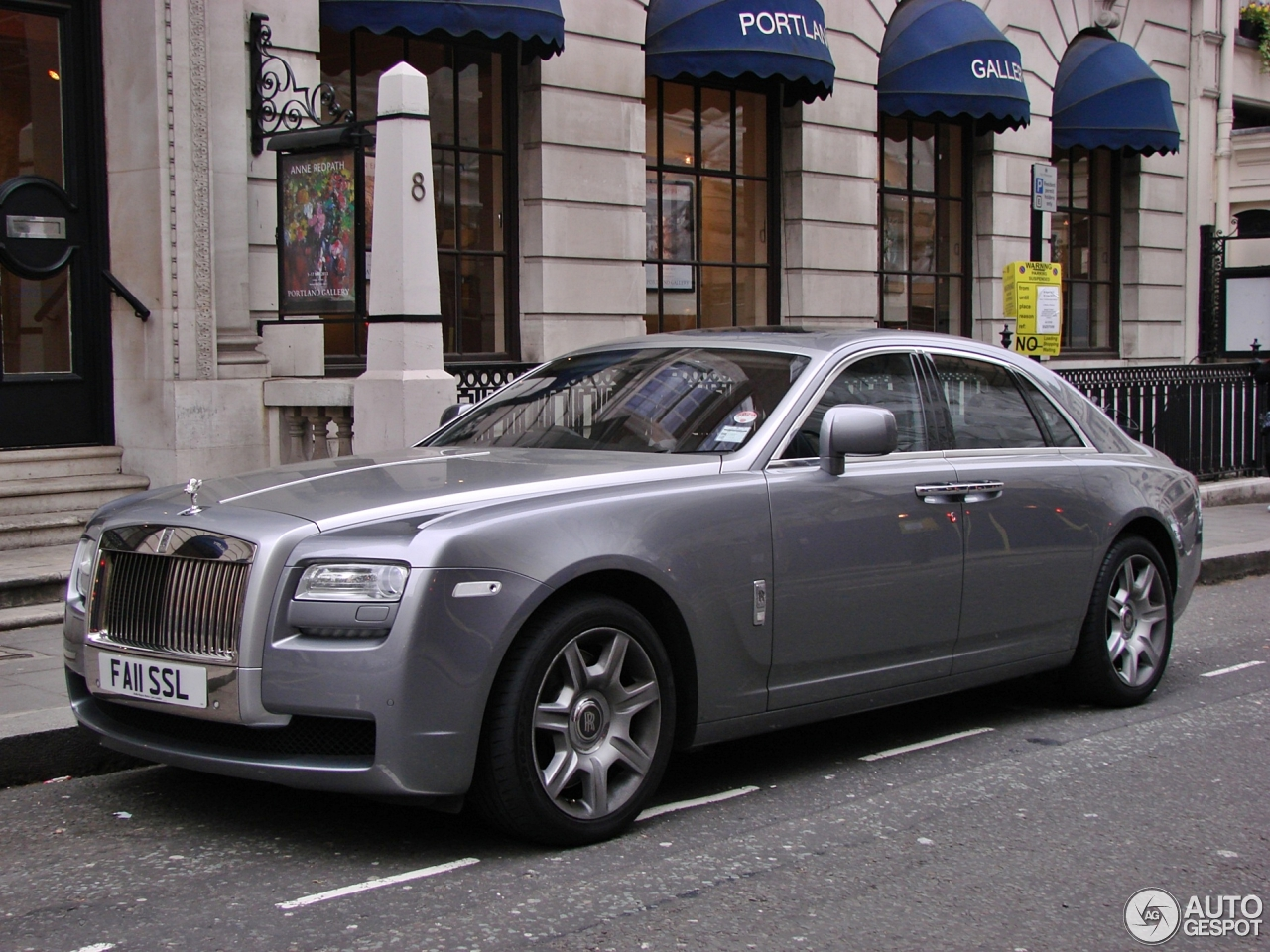 rolls royce ghost 2 june 2013 autogespot. Black Bedroom Furniture Sets. Home Design Ideas