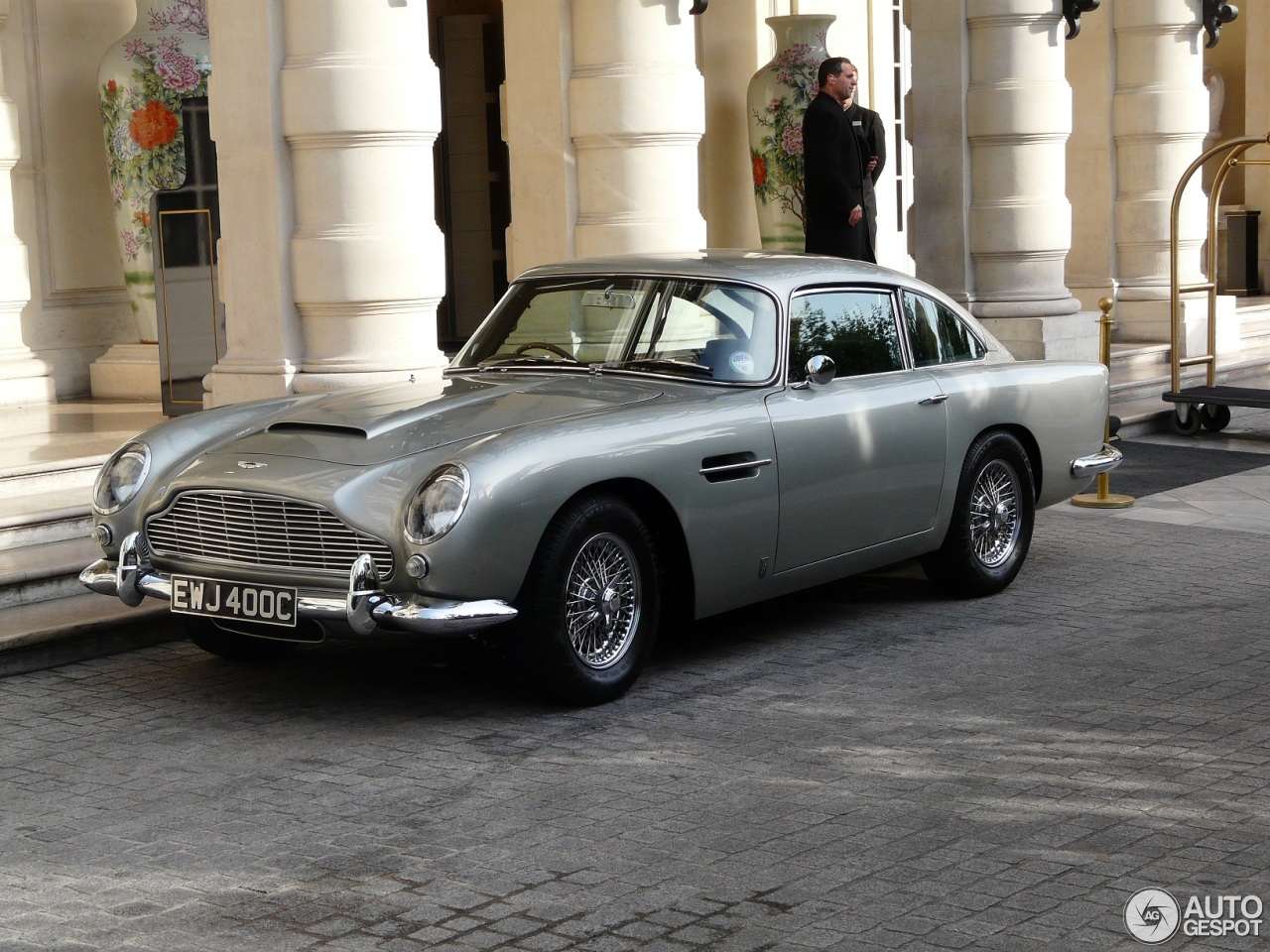 aston martin db5 prix. Black Bedroom Furniture Sets. Home Design Ideas