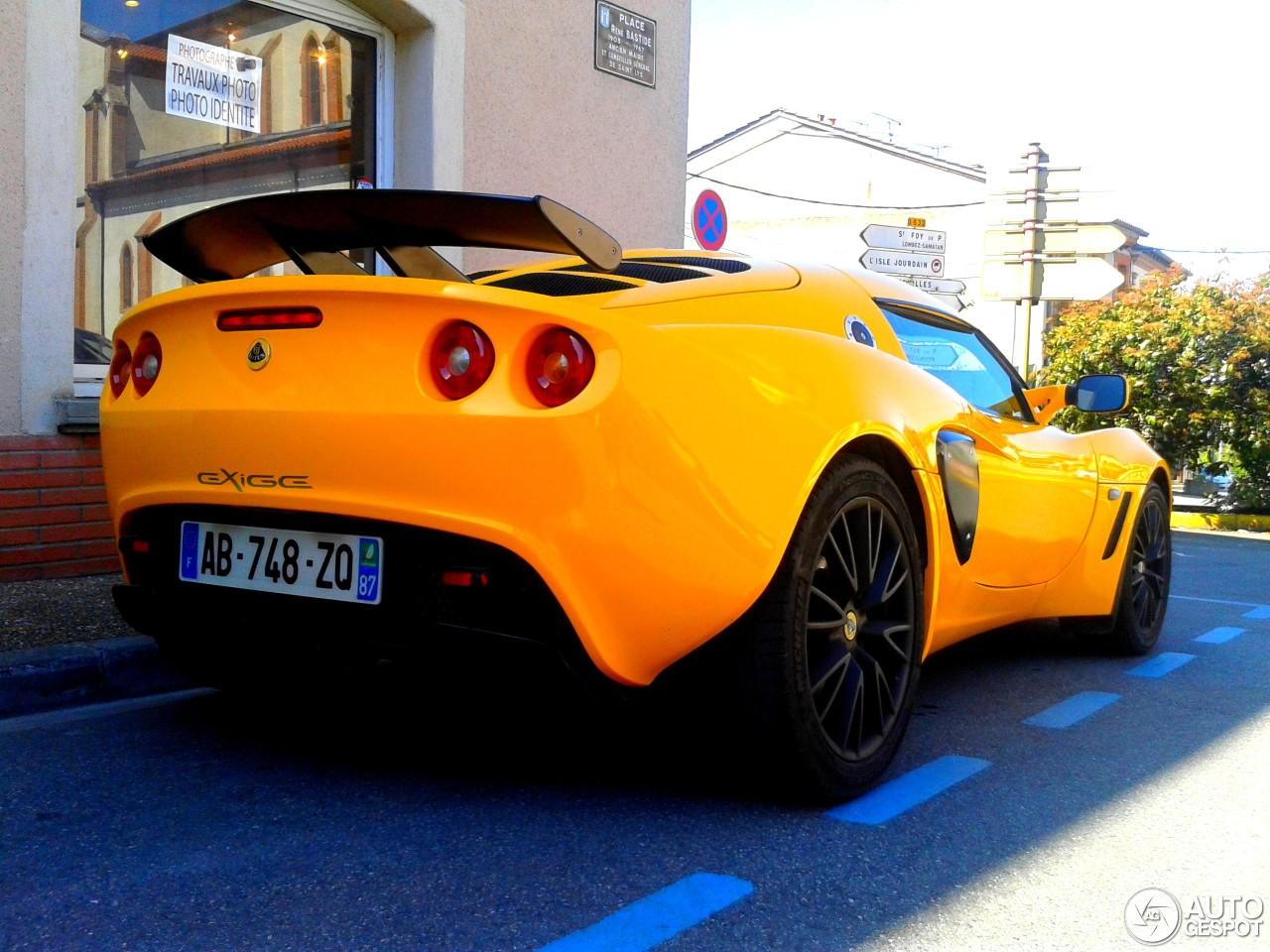 Lotus exige s2 6 june 2013 autogespot 1 i lotus exige s2 1 vanachro Images