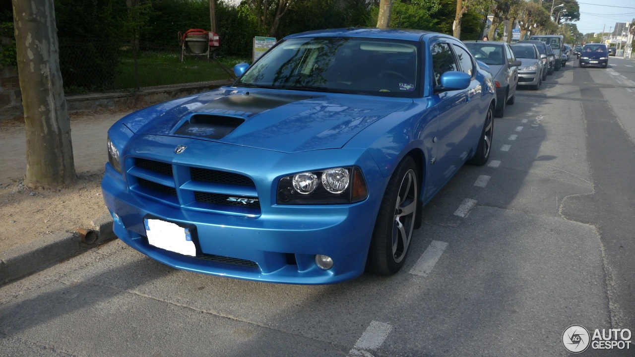 dodge charger srt 8 super bee 17 june 2013 autogespot. Black Bedroom Furniture Sets. Home Design Ideas