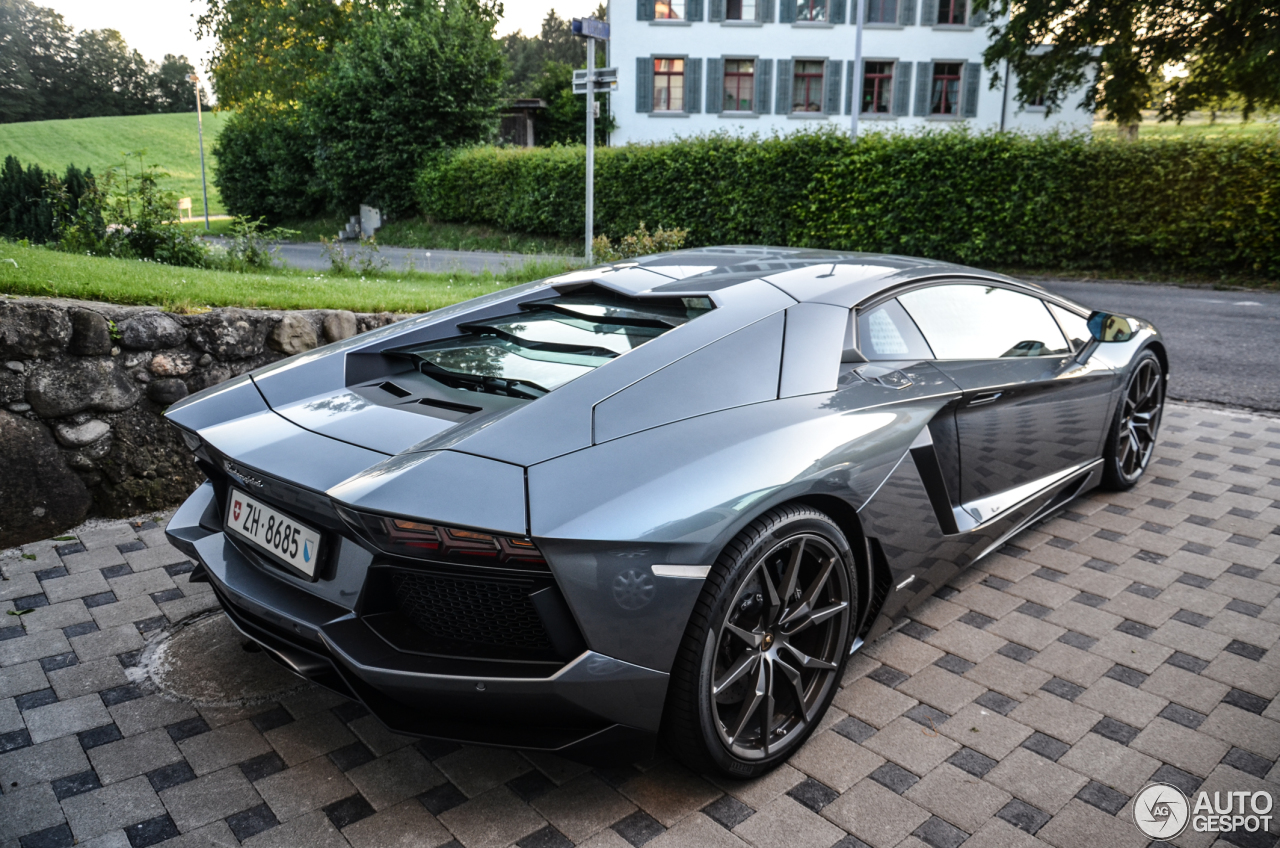 lamborghini aventador lp700 4 19 juni 2013 autogespot. Black Bedroom Furniture Sets. Home Design Ideas