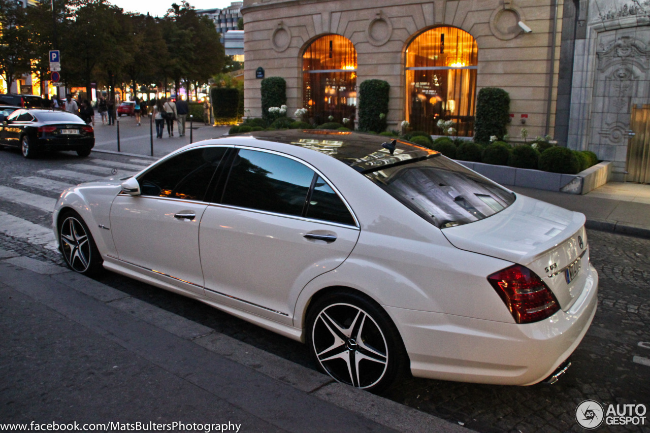 Mercedes benz s 63 amg w221 2011 21 juni 2013 autogespot for Mercedes benz of cleveland