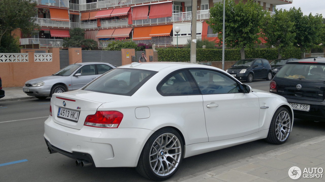 bmw 1 series m coup 23 june 2013 autogespot. Black Bedroom Furniture Sets. Home Design Ideas