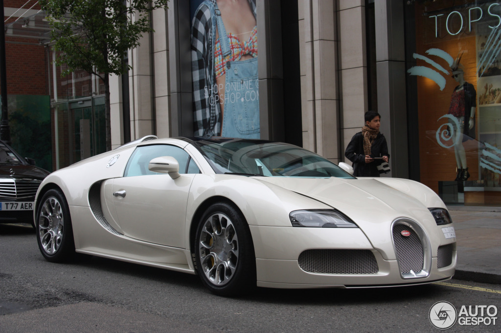 bugatti veyron 16 4 grand sport 2 july 2013 autogespot. Black Bedroom Furniture Sets. Home Design Ideas