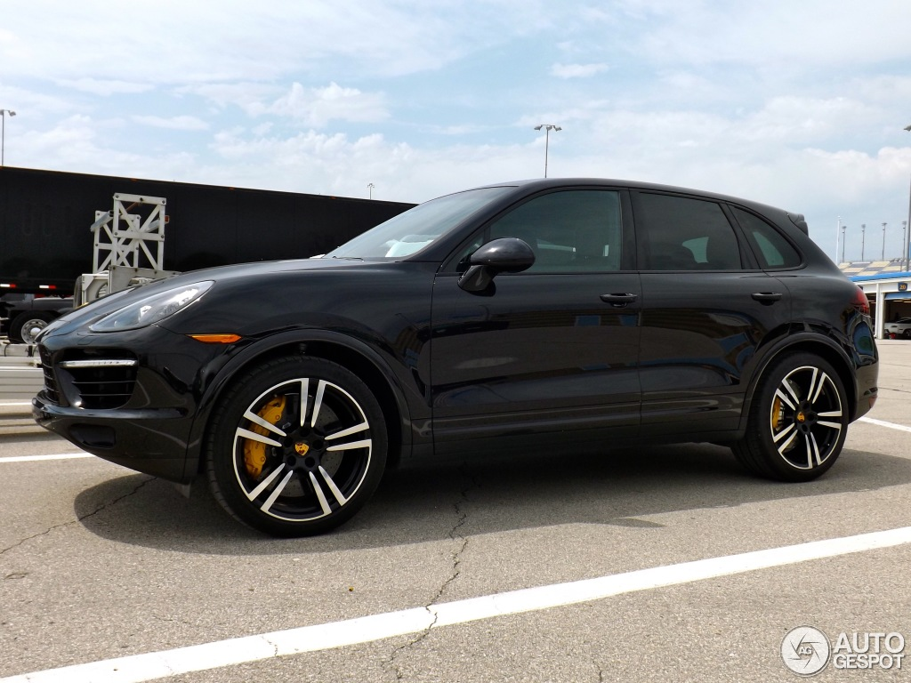 porsche 958 cayenne turbo s 3 july 2013 autogespot. Black Bedroom Furniture Sets. Home Design Ideas