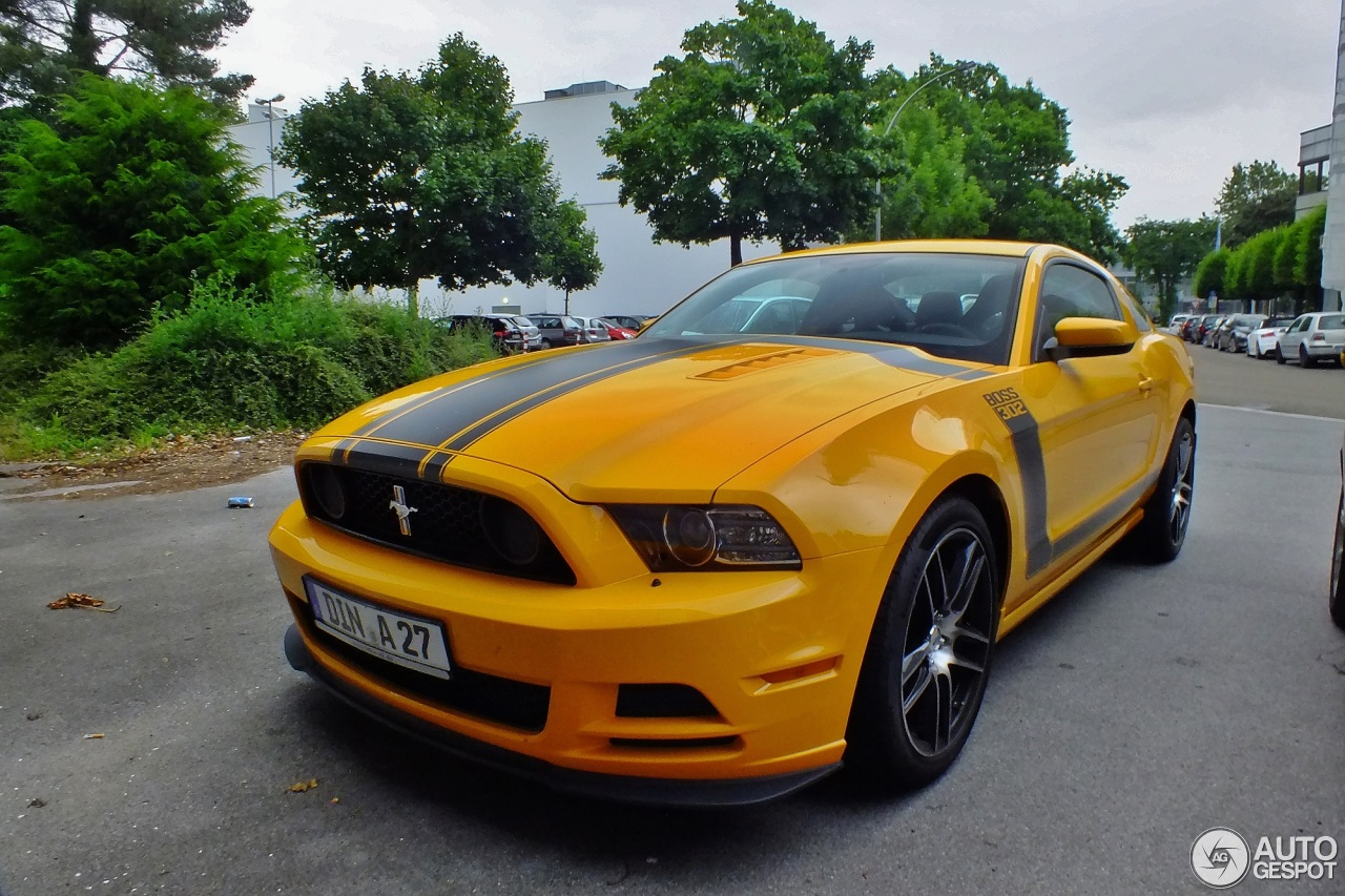 ford mustang boss 302 2013 4 july 2013 autogespot. Black Bedroom Furniture Sets. Home Design Ideas