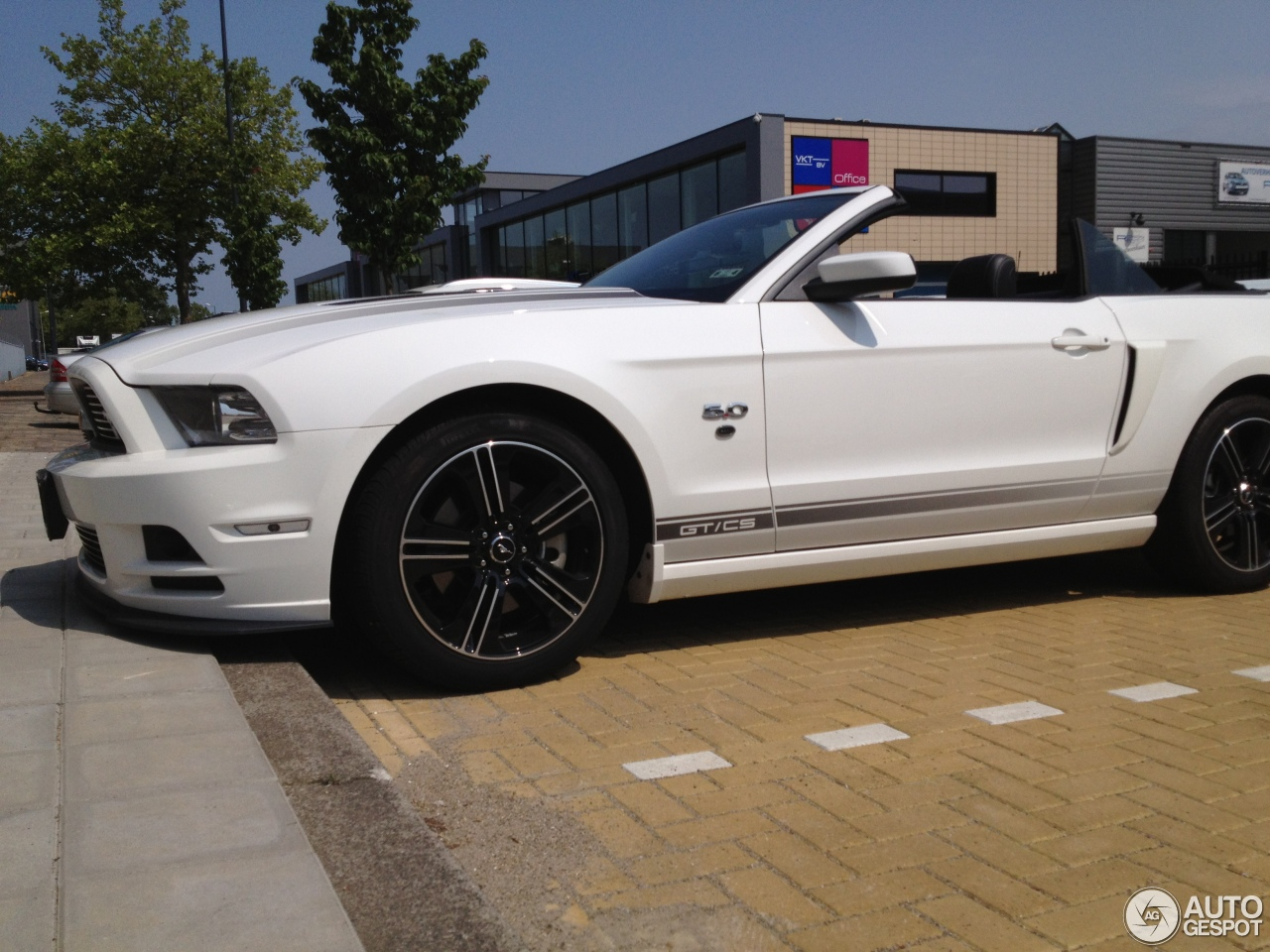 ford mustang gt california special convertible 2012 5 july 2013 autogespot. Black Bedroom Furniture Sets. Home Design Ideas