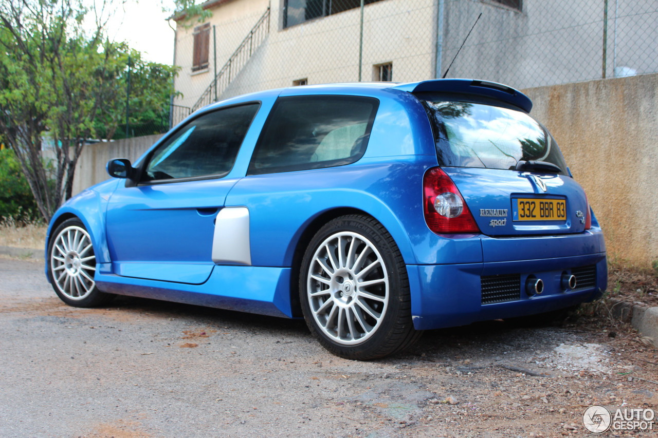 renault clio v6 phase ii 5 july 2013 autogespot. Black Bedroom Furniture Sets. Home Design Ideas