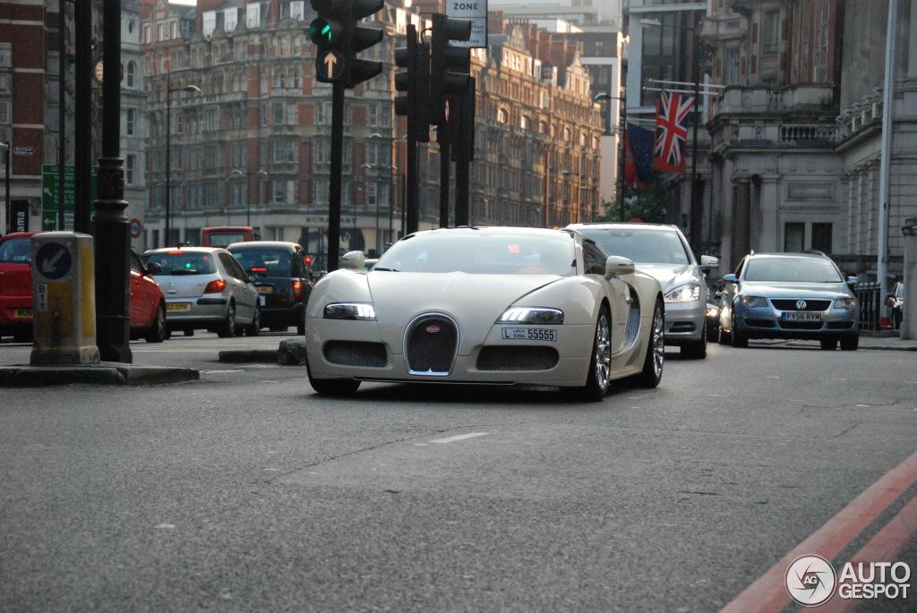 bugatti veyron 16 4 grand sport 10 july 2013 autogespot. Black Bedroom Furniture Sets. Home Design Ideas