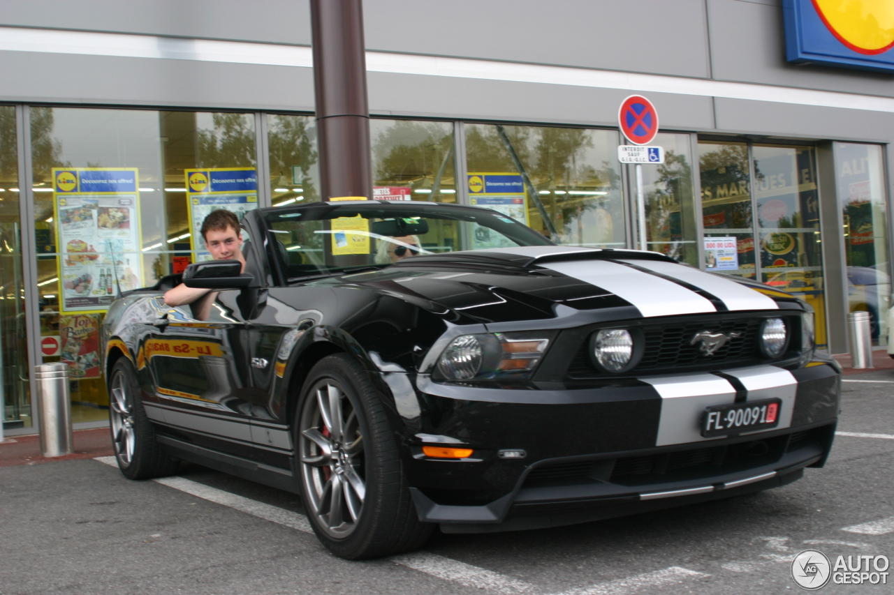 ford mustang gt convertible 2011 11 juillet 2013 autogespot. Black Bedroom Furniture Sets. Home Design Ideas