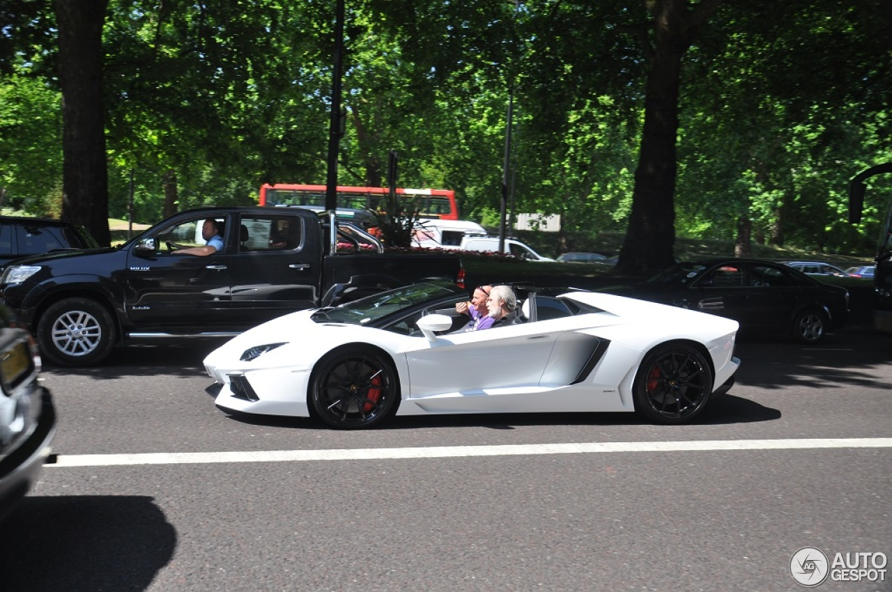 Lamborghini Aventador LP700-4 Roadster - 11 July 2013 ...