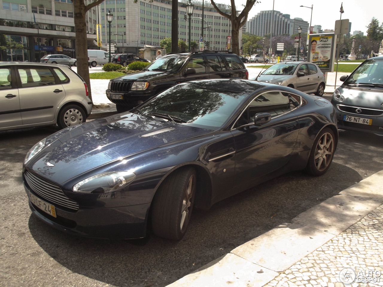 Aston Martin V8 Vantage 16 July 2013 Autogespot
