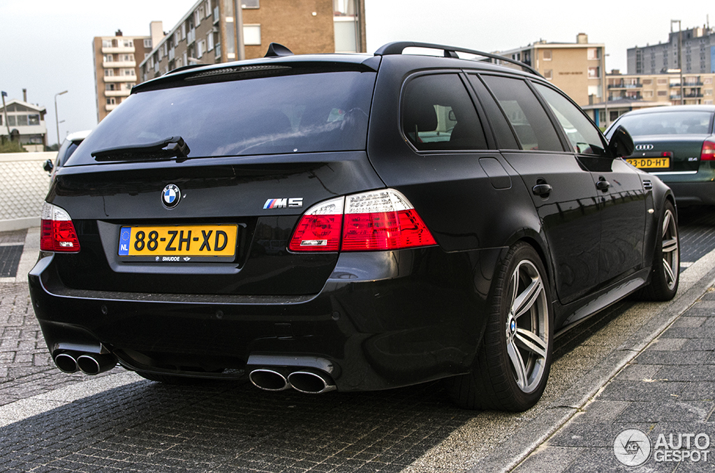 bmw m5 e61 touring 20 july 2013 autogespot. Black Bedroom Furniture Sets. Home Design Ideas