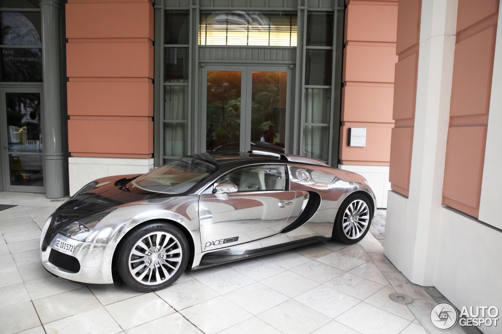 bugatti veyron 16 4 pur sang 24 july 2013 autogespot. Black Bedroom Furniture Sets. Home Design Ideas