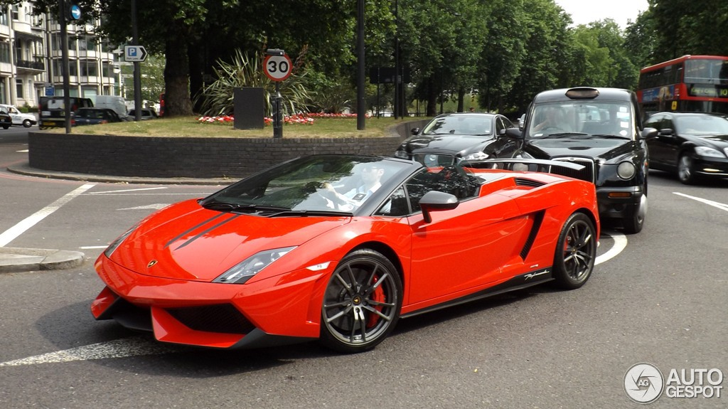 lamborghini aventador roadster london with 25 on Wallpaper Hd 1080p besides Watch together with Watch furthermore Matte Black Lamborghini Aventador Sv additionally Watch.
