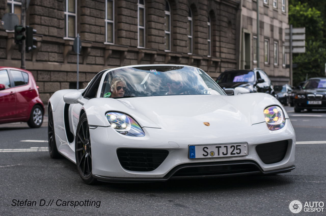 porsche 918 spyder 4 august 2013 autogespot. Black Bedroom Furniture Sets. Home Design Ideas